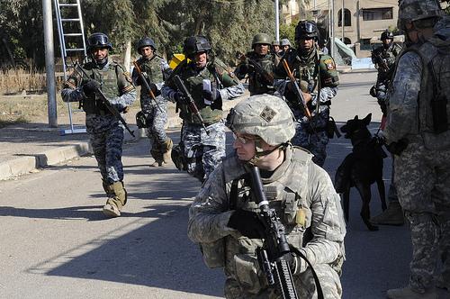 イラク軍とイラク国家警察と共に作戦に参加するア.jpg