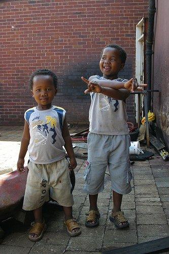 ツォツィ↑南アフリカ共和国ケープタウンの子供たち.jpg
