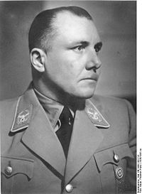 ヒトラー〜最後の12日間〜↑マルティン・ボルマン。1945年5月2.jpg