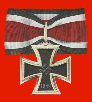 ヒトラー〜最期の12日間〜↑騎士鉄十字章。約7千名に与えられた。.png