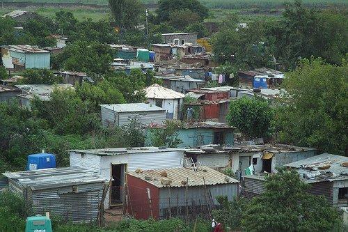 ツォツィ↑南アフリカ共和国、ソウェト地区の光景。.jpg