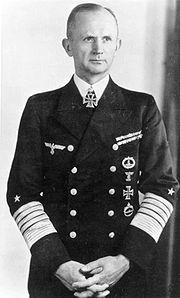 ヒトラー〜最期の12日間〜↑カール・デーニッツ海軍元帥。ヒトラーの死後、ドイツ大.JPG